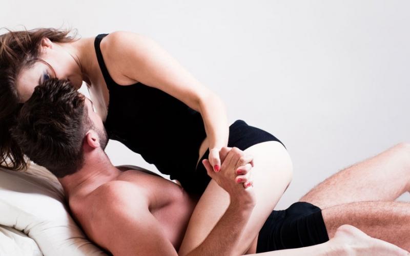 6 Posiciones que te harán ver bien en el sexo